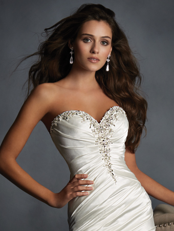 Alfred Angelo Athena detail