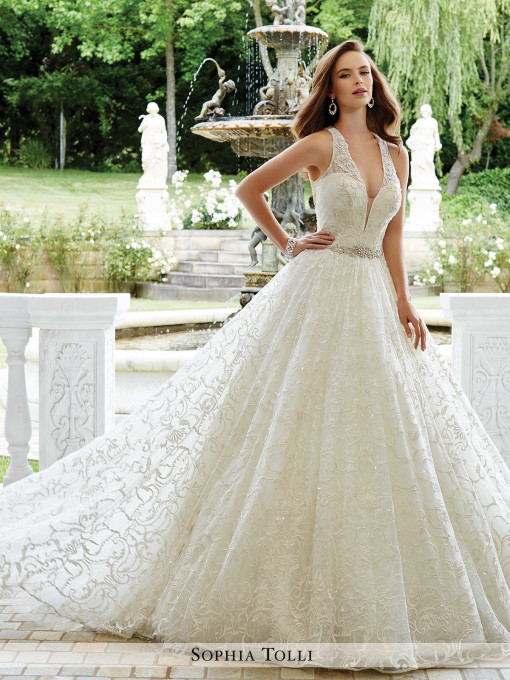 Y21675_lace_wedding_dresses_20171-510×680