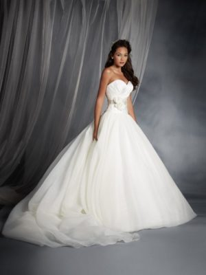 Disney fairy tale weddings by alfred angelo archives serenity brides snow white 2016 250 junglespirit Image collections