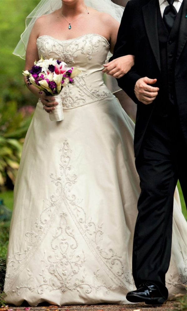 Alfred-Angelo-Ball-Gown-Piccione-408-Ivory-2011-910749